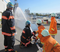 Water-discharge exercise by the special fire-fighting team