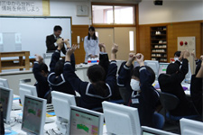 JSR Kashima Plant - Classes for local junior high school students